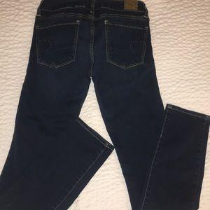 ✨American Eagle Dark Wash Mid Rise Skinny Jeans